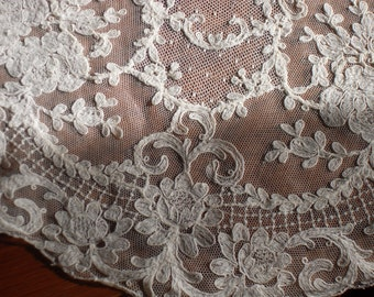 Amazing Cream Doily/Beautiful Antique c.20s French Handmade Doily/Hand Embroidered Tulle Needlework Doily/French Decor Paris Fine Lace Doily