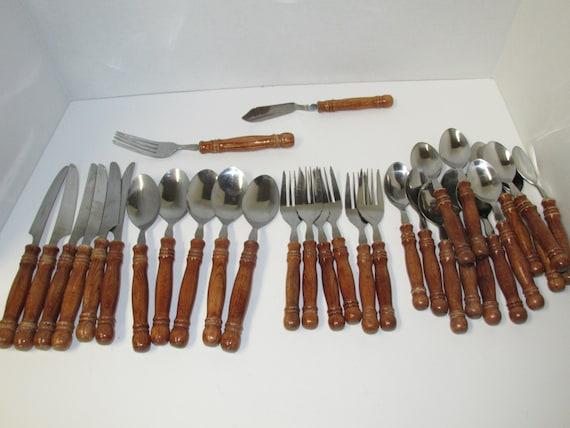 Vintage wood handle flatware set 32 pieces - Flatware with wooden handles ...