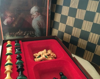 wooden chessboard set 1970