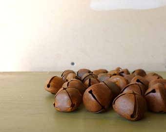 Rusty Primitive Jingle Bells / 2.5 mm Christmas Bells / Brown Craft Bells