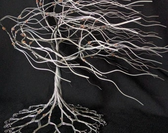 REDUCED!!! Gorgeous wire windy willow with crystal Rose and Gold beads, is free standing 11 inches tall. Sculpture #161203