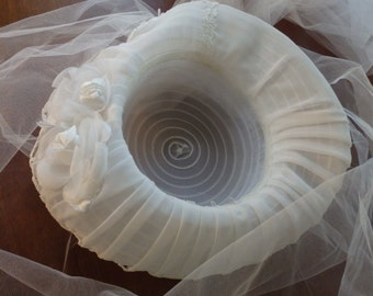 Wide Brim Hat, White Wedding Hat, White hat with Tulle Veil, hat and Veil