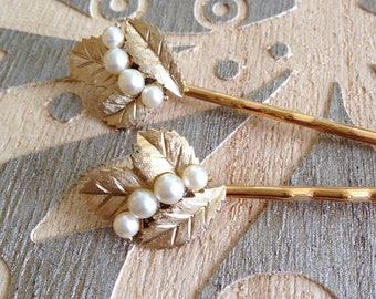 Authentic Trifari Pearl brushed gold hair pins, something old, bobby pins, 1920s wedding, rustic, vintage jewelry, Art Deco, bridesmaid gift