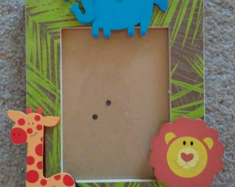 Very Cute Jungle Animals Picture Frame