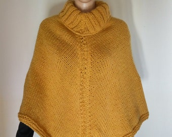 Poncho woman wool handmade made in Italy