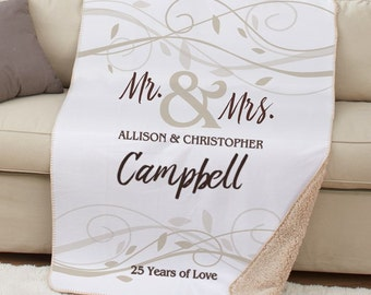 Mr and Mrs Sherpa Throw, Family Name Throw, Custom Mr and Mrs Throw