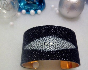 Cuff Bracelet by Ray shagreen, fish leather.