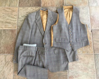 1960s 3 Piece Gray Wool Plaid Suit 38R WOLF BROTHERS Ivy League Trad