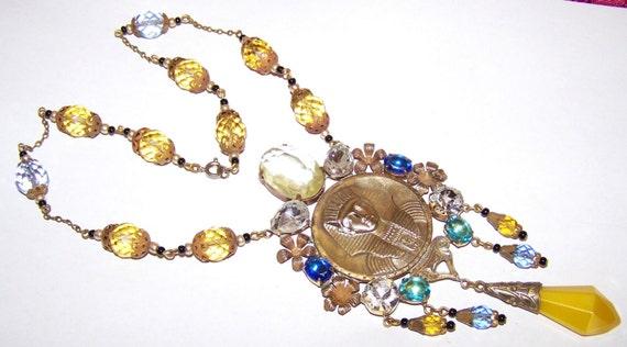 Lovely vintage 1940s Deco Czech Egyptian Pharoah crystal dropper necklace