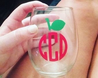 Monogram Wine Glass // perfect for teachers, teacher appreciation, end of the year gifts, etc