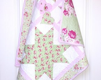 Rose Baby Quilt, Modern Baby Girl quilt, Baby quilt girl with roses, flower girl baby quilt, with vintage look & lace, baby quilt handmade