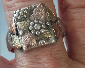 Black Hills Gold Ring - Rose gold, yellow gold and sterling flower ring - Vintage jewelry