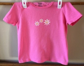 T-shirt pink with daisies, very sweet, sz 2T/3T