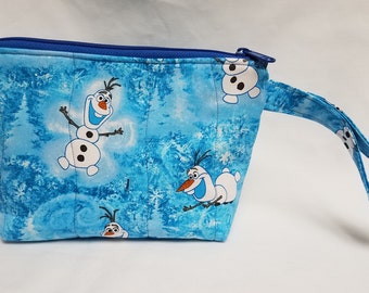 Olaf Quilted Wristlet