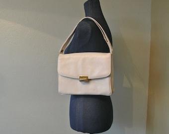 Vintage 1980s Saks Fifth Avenue White Leather Accordian Shoulder Bag