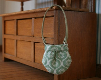 miniature purse, dollhouse miniature, modern miniature, 1/12 scale purse, dolls house handbag, dollhouse minature bag, dolls house bag