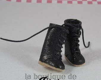Glimmering Black Leather Boots for Blythe doll - black with shiny leather boots for Blythe