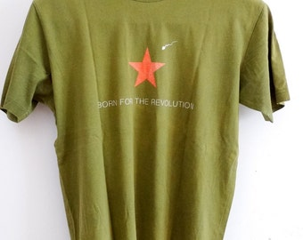 Mens army green t-shirt Born for the Revolution mens minimal summer t-shirt for men military green mens tshirt vintage size L