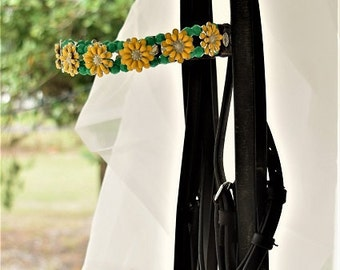 Beaded Browband for Ponies, Summer Yellow Flowers and Green beads, Yellow and Green Girls Jewelry Set, Cob Horse Bridle Tack