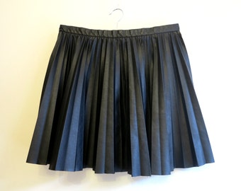 Vintage Womens Black Faux Leather Mini Skirts Accordion Pleated Back to School Skirts Medium to Large Size