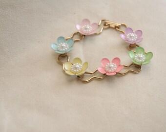 Flower bracelet, pastel bracelet