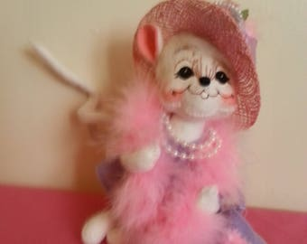 Annalee Mouse with Pink Boa!