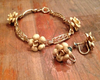 Vintage Amco 14k Gold Fill Bracelet with Matching Screw Back Earrings, Roses