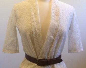 Vintage White Lace   Short-Sleeved Blouse / Cardigan