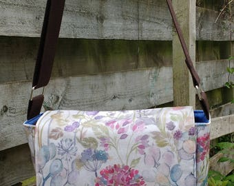 Oilcloth messenger bag - Large, crossbody bag, shoulder bag, waterproof fabric