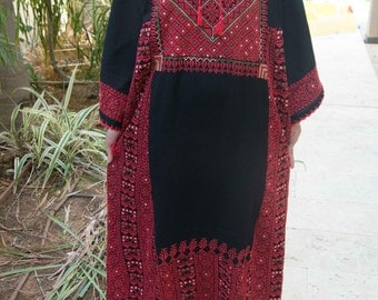 hand embroidered bedouin palestinian  woman dress authentic ethnic