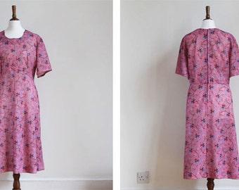 SALE Vintage 1970s Pink Purple Floral Pattern Psychedelic Paisley Festival A Line Midi Dress UK 16