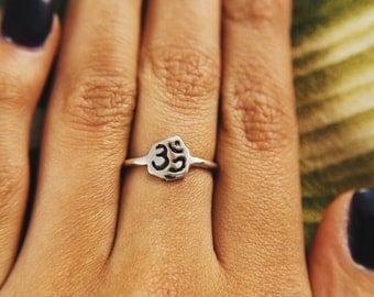 Small Om Ring