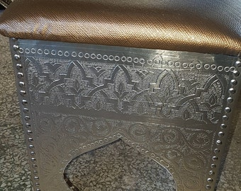 tribal moroccan stool chair, vintage tribal, traditionnel stool, arabian stool, moroccan stool, copper stool, moroccan copper stool.