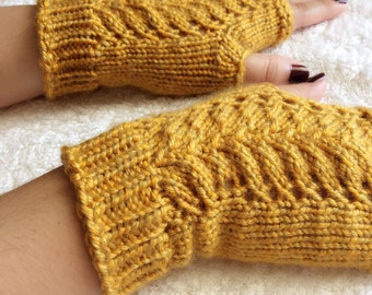 Lacy Leaf Fingerless Gloves