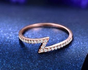 Zig Zag Round Cut Diamond Wedding Ring 14k White Gold or Yellow Gold Art Deco Wedding Band Diamond Ring