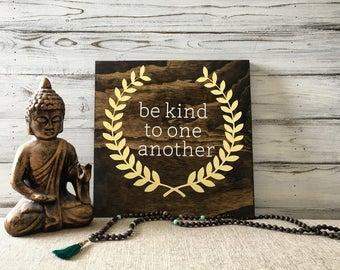 Be kind farmhouse decor / Wood sign be kind / Rustic wood sign be kind / Be kind wood sign