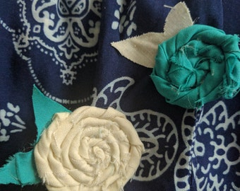 Rosette alligator hair clips