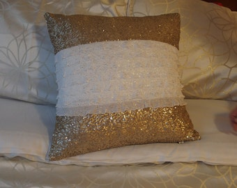 "Glitzy Pillow 18""x18"""