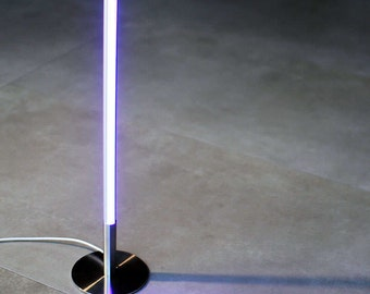 LUMO RONDIGI table lamp. Lamp in steel aluminium with lamp led with remote control at distance. Lamp of Led in steel