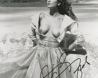 Cindy Crawford signed 8x10 Autograph RP - Great Gift Idea - Ready to Frame photo picture!