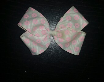 White and Pink Flower Hairbow