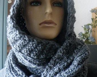 Scoodie - Hooded scarf - Loop with rapunzel braids