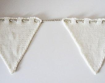 Knitted Bunting - Medium