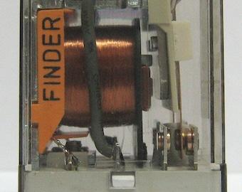Industrial relay Finder 110Vac model 55.32