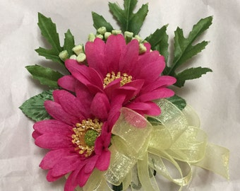 Spring color pin corsage