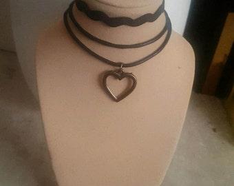 3 layer black choker w/ bronze heart