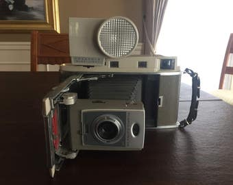Vintage 1961 Polaroid 850 Land Camera with Wink-Light Flash (Excellent Condition!)