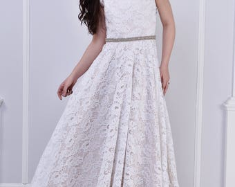Ivory, lace wedding dress, short sleeve. All lace wedding dress