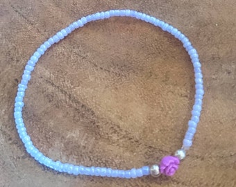 Bracelet of light purple seed beads