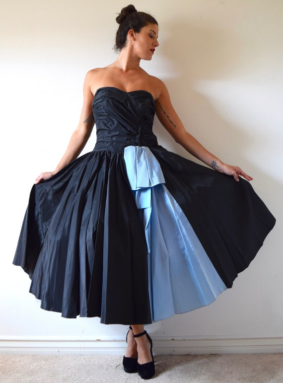 Vintage 50s Inky Black and Blue Taffeta Strapless New Look Circle Skirt Prom Dress (size xxs, xs)